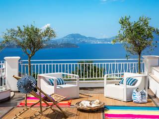 Casa Monte di Procida Balcone, Veranda & Terrazza in stile mediterraneo di PDV studio di progettazione Mediterraneo