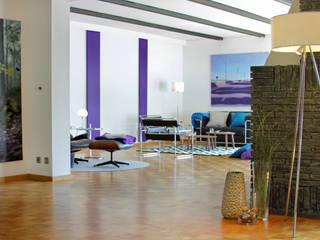 Modern Living Room by hausundso Immobilien Offenburg Modern