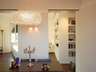 Casa DG: Sala da pranzo in stile  di Next Urban Solutions
