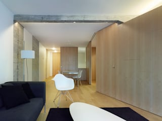 Rehabilitación de vivienda urbana Salones de estilo moderno de Alfredo Sirvent, arquitecto Moderno