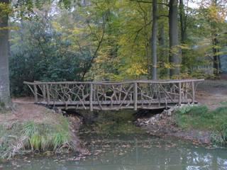 Van boom tot brug:   door Meubelmakerij Luitjens, Landelijk