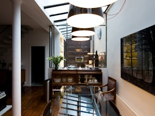 cuisine au design industriel et contemporain Salle à manger originale par LA CUISINE DANS LE BAIN SK CONCEPT Éclectique