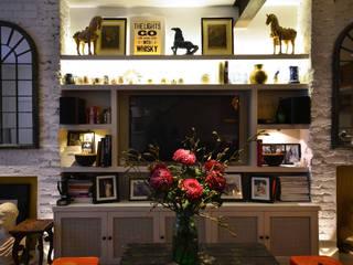 Notting Hill Maisonette: eclectic Living room by Barlow & Barlow Design