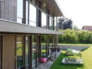Wohnhaus in Donaueschingen-Aasen: moderne Häuser von lehmann_holz_bauten