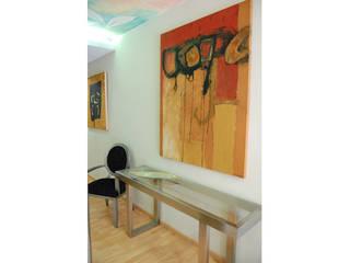Gramil Interiorismo II - Decoradores y diseñadores de interiores Vestíbulos, pasillos y escalerasAccesorios y decoración
