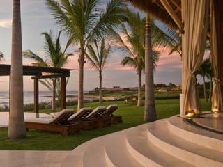Casa Taheima Jardines tropicales de BR ARQUITECTOS Tropical