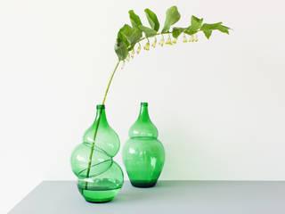 Bottles and Vases:   door Klaas Kuiken, Industrieel