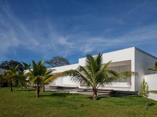 Minimalistische Häuser von Aguirre Arquitetura Minimalistisch