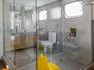 Marcella Loeb Modern style bathrooms