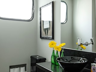 Marcella Loeb Modern style bathrooms