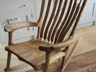 Olive ash rocking chair od Auspicious Furniture Wiejski