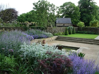 Sonia Paladini Classic style garden