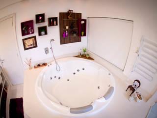 INOVA Arquitetura BathroomBathtubs & showers