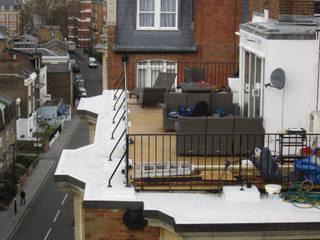 Decking Modern balcony, veranda & terrace by Greenmans Yard Modern