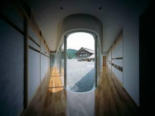 Horizontal House: EASTERN design office イースタン建築設計事務所が手掛けた窓です。