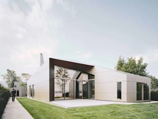 MATRIX IN SPACE - House at Lake Constance by ALUCOBOND - 3A Composites GmbH Modern