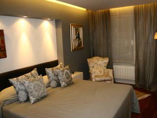 HABITACION SUITE EN BARCELONA RIART I ASSOCIATS Dormitorios de estilo moderno