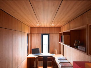 Cherry Panelled Study Modern study/office by WT Architecture Modern