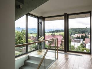 Wohnhaus 2 Moderner Flur, Diele & Treppenhaus von Kohlbecker Gesamtplan GmbH Modern
