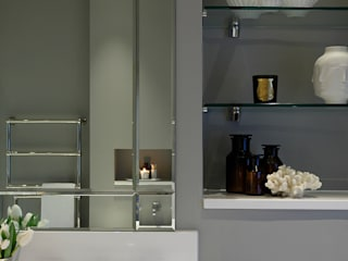 Master Bedroom Ensuite: classic Bathroom by Laura Sole Interiors