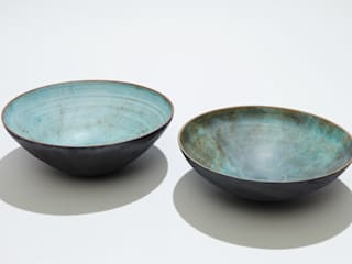 2 open flat bottomed bowls:   by norman yap ceramics