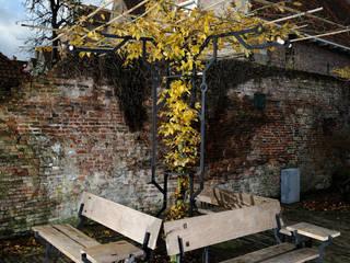 Origin of Species Garden Installation:  Tuin door Kranen/Gille