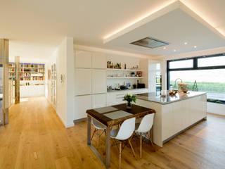 Cocinas modernas: Ideas, imágenes y decoración de Ferreira | Verfürth Architekten Moderno