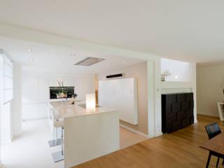 Modern kitchen by Ferreira | Verfürth Architekten Modern