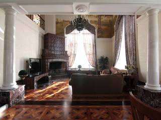 Коттедж в п. Шувакиш: Гостиная в . Автор – Архитектурно-дизайнерская студия 'Арт Диалог'