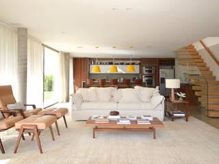 Fazenda Boa Vista Salas de estar modernas por 2L Arquitetura Moderno