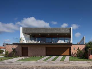 Casa Beira Mar Casas modernas por Seferin Arquitetura Moderno