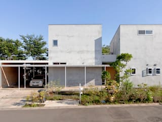 SHR house (3つの家の1つの家族) オリジナルな 家 の sun tan architects studio オリジナル