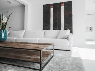 Minimalist living room by GIASIL Minimalist
