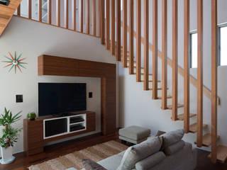 M4-house 「重なり合う家」: Architect Show co.,Ltdが手掛けた家です。