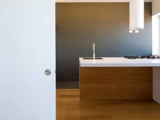 Casa MC Cucina moderna di Di Dato & Meninno Architetti Associati Moderno
