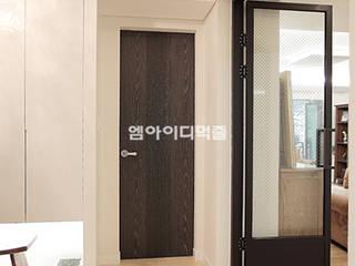 이태원 청화아파트 58평형: MID 먹줄의  복도 & 현관,모던