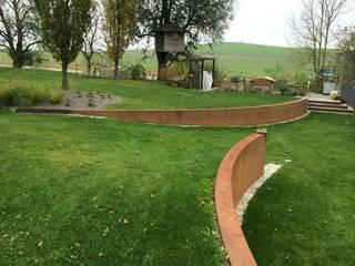 Design in natürlicher Form Moderner Garten von Garten- und Landschaftsbau Hornung Modern