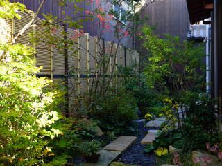 緑と潤いあふれる日陰の庭 2013~ にわいろSTYLE オリジナルな 庭