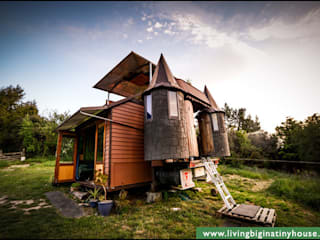 Transforming Castle Truck Eclectic style houses by Living Big in a Tiny House Eclectic