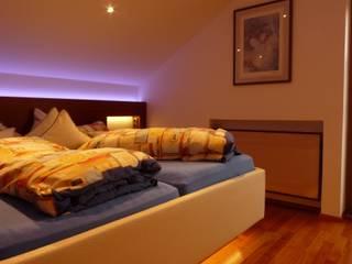 Schlafzimmer in Dachschräge: moderne Schlafzimmer von CS interior solutions