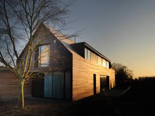 Casas de estilo clásico de STEINMETZDEMEYER architectes urbanistes Clásico