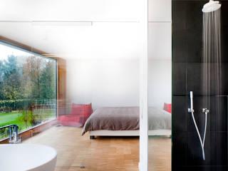Dormitorios de estilo moderno de STEINMETZDEMEYER architectes urbanistes Moderno