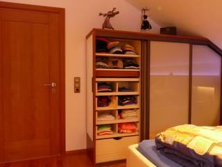 モダンスタイルの寝室 の CS interior solutions モダン