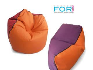 Geometrie in movimento - pouf/armchair CONKA - chaise longue LIMBA:  in stile  di design Inmovimento