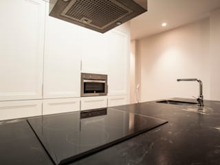 Classic style kitchen by Estatiba construcción, decoración y reformas en Ibiza y Valencia Classic