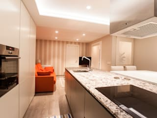 Cocinas de estilo moderno de Estatiba construcción, decoración y reformas en Ibiza y Valencia Moderno