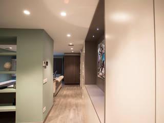 Classic style corridor, hallway and stairs by Estatiba construcción, decoración y reformas en Ibiza y Valencia Classic