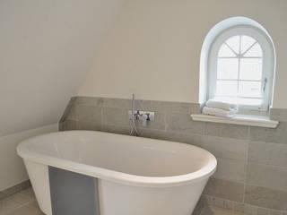 HAUS AUF SYLT III: landhausstil Badezimmer von SALLIER WOHNEN SYLT