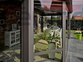 Balcones y terrazas de estilo moderno de Vérandalys Moderno