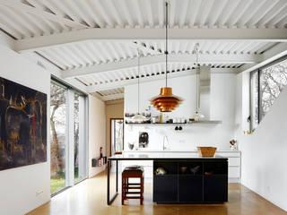 廚房 by miba architects
